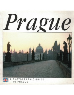 A Photographic Guide to Prague | de Hana Bílková e Jirí Sourek