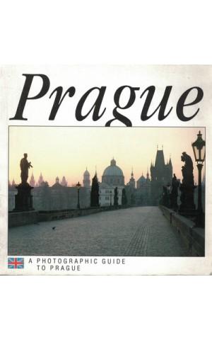 A Photographic Guide to Prague | de Hana Bílková e Jirí Sourek
